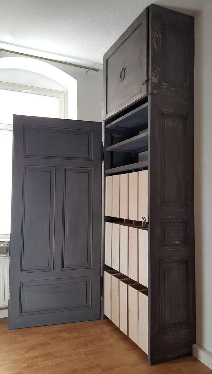 Upcycling alter Türen zum Schrank