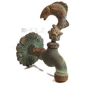 Wasserhahn antik Fisch Figur Messing alt Grünspan Patina