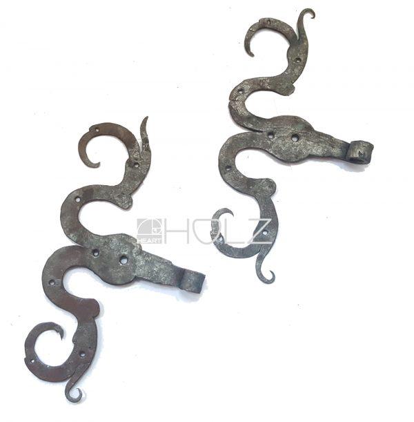 S-Bänder antik alt geschmiedet Türbänder 13er Dornloch Rollband