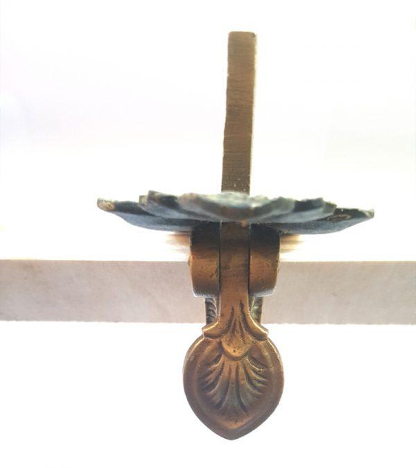 Türgriff antik Stossgriff Torgriff mit Schnapper Messing Daumenriegel